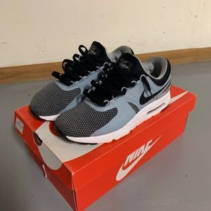 Nike Air Max Zero (Athletic/ Running Shoe)